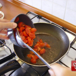 Cherry tomatoes in the pan