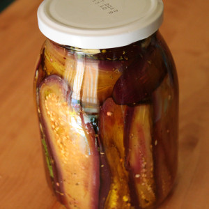 Aubergine preserved in oil