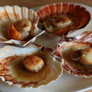 Scallops with Armagnac and butter