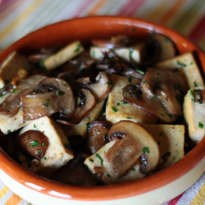 Tofu with champignon mushrooms