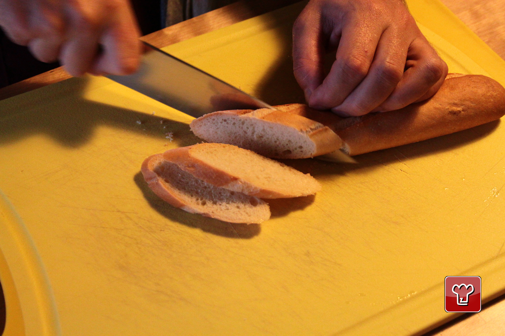 Preparation of the toasted slices