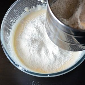 Aggiungere le farine