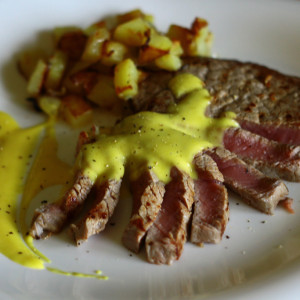 Fillet of beef with a creamy cheese sauce