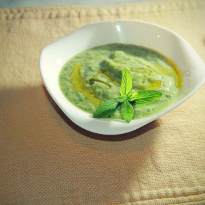 Cream of courgette soup with mint