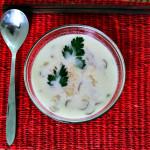 Zuppa di cocco e funghi